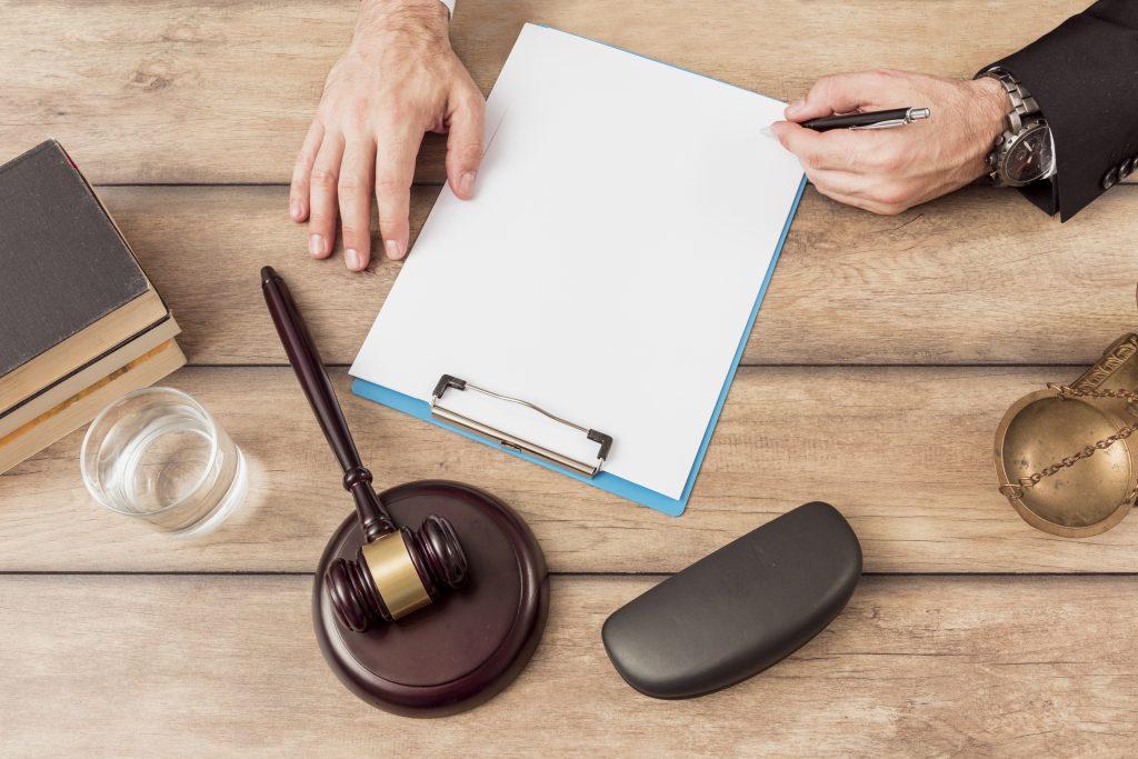 Det er vitkig å få en juridisk riktig leieavtale på plass.